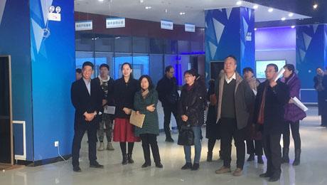 宁夏回族自治区党校副校李培文一行参观宁夏技术市场