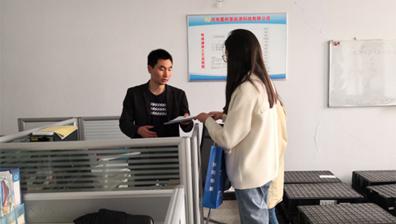 許昌市人才引進與技術轉移服務平臺組織浙江大學許昌分中心與河南愛耐基能源科技有限公司技術對接