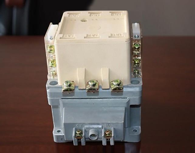 """""""交流接触器及低压电器控制类产品""""的""""互联网+""""平台技术图1"""