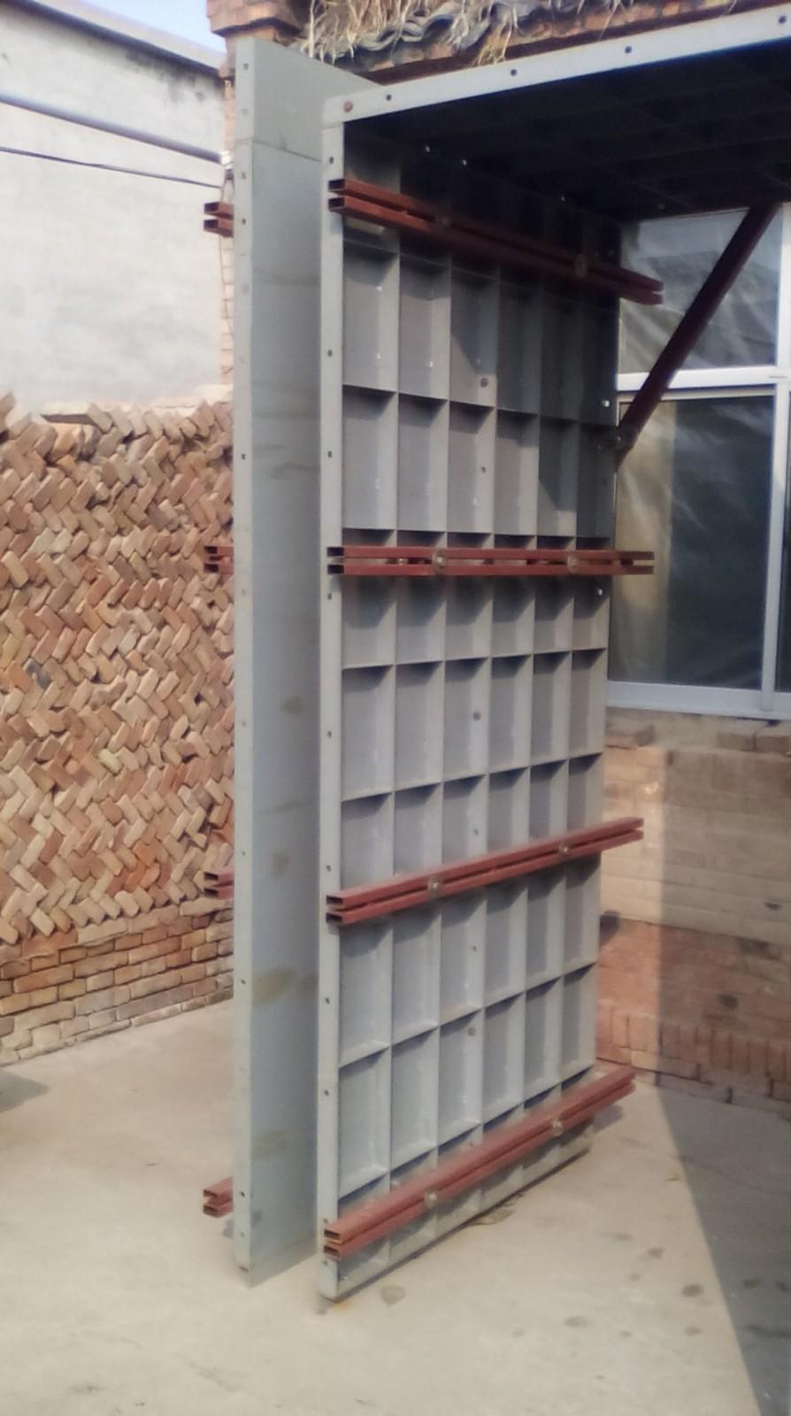 图1  内、外墙主模板试品
